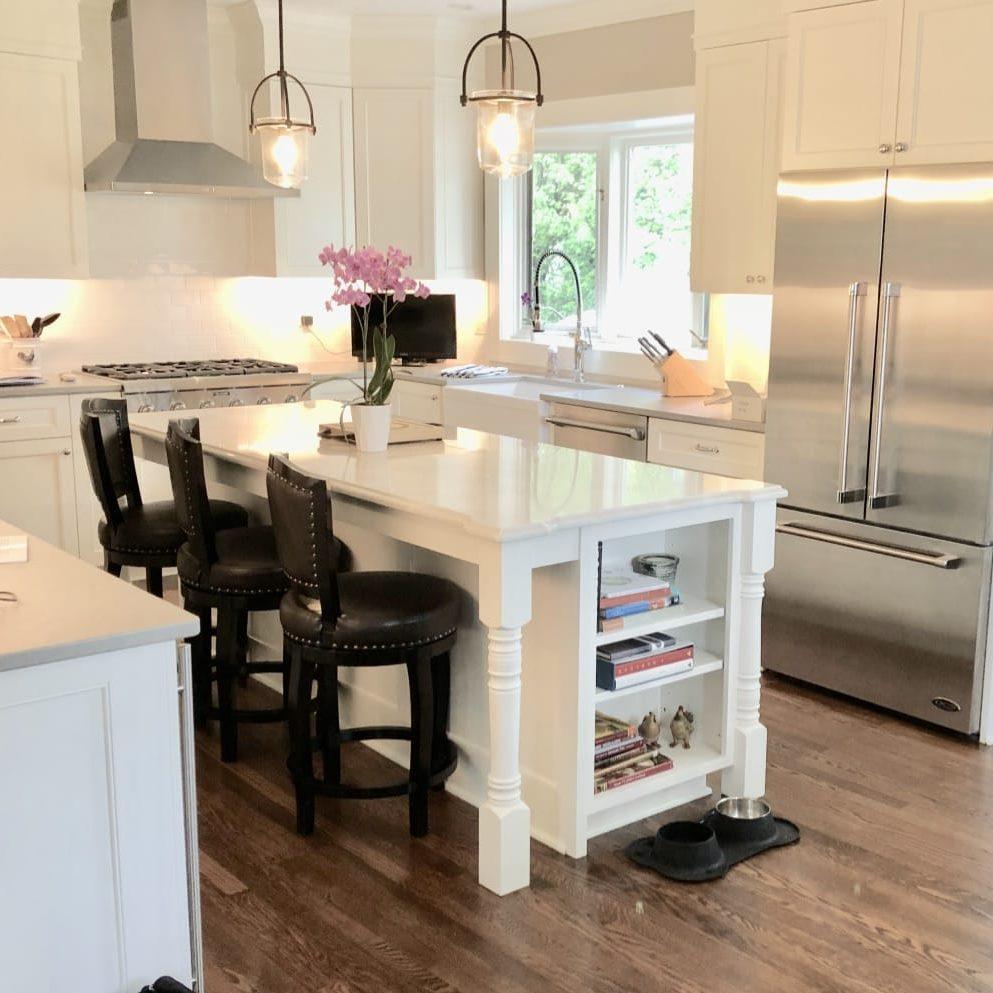 Interior Design Portfolio_White Kitchen_s9+vEVYdTlGz5hZzwhehjQ_thumb_928